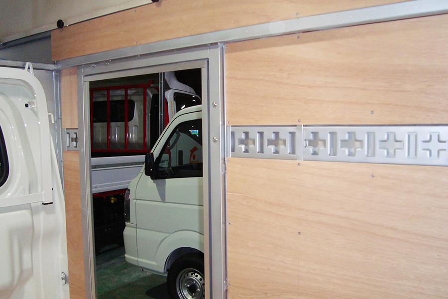 パワーゲート車02